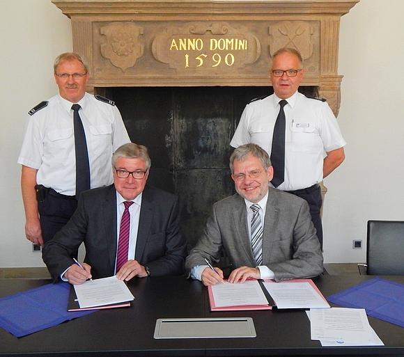 Firma Gebr. Brasseler und die Alte Hansestadt Lemgo schlossen Absichtserklärung